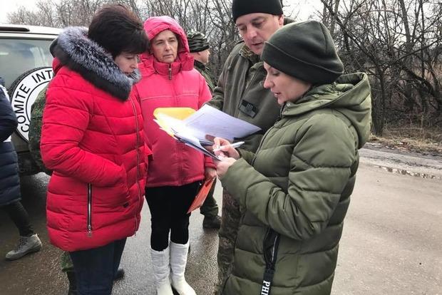 Гройсман пообещал позаботиться обосвобожденных изплена украинцах