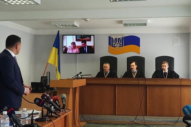 Били, давили машинами и хотели насиловать. Свидетель Януковича живописует на суде ужасы Майдана