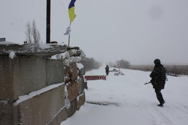МО: На Донбассе боевики активизировались во всех ключевых районах противостояния