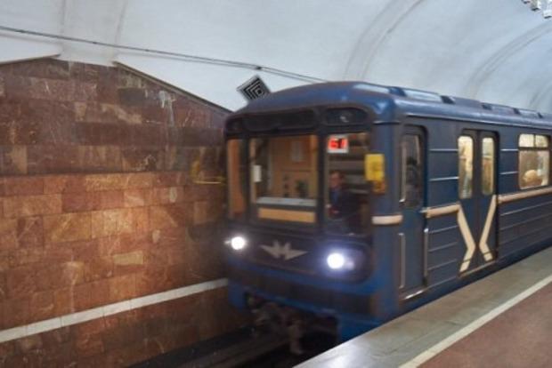 В новогоднюю ночь метро Харькова будет работать до 3 часов утра
