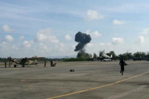 На авиашоу в Таиланде разбился самолет, погиб пилот