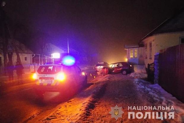 Новое ДТП с полицейским: пьяный водитель сбил трех человек в Почаеве