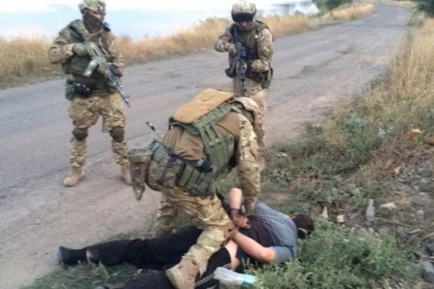 Полиция задержала боевика, который хотел служить вВСУ