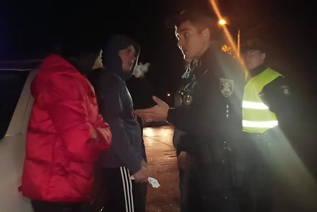 У Миколаєві 19-річний пасажир Infiniti зламав щелепу патрульному