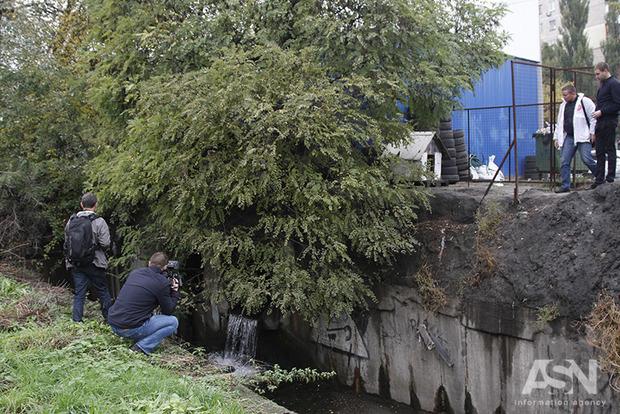 Рибалки контролюватимуть, чи забруднюють автомийки столичні річки