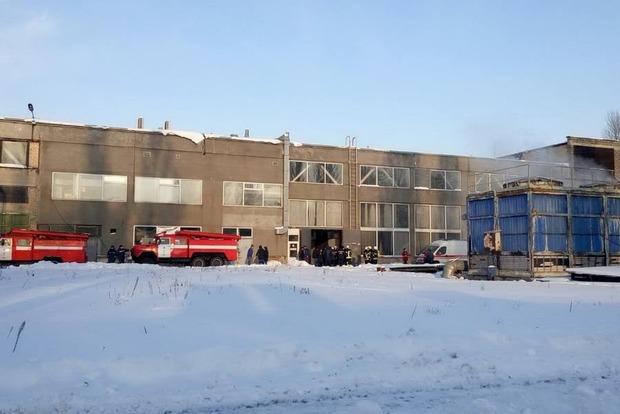 В Киеве на заводе произошел взрыв печи: двое работников пострадали