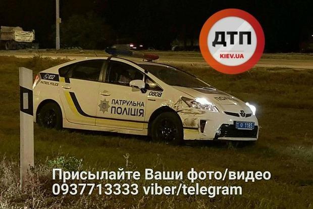 В Киеве ночью полицейский Prius протаранил «евробляху»