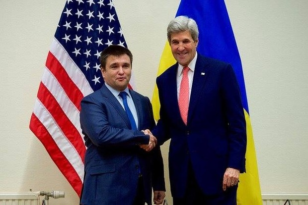 Климкин и Керри обсудили необходимость ускорения реализации Минских договоренностей