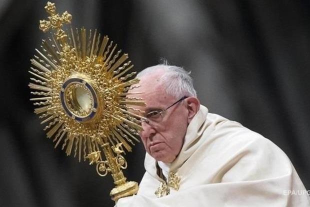 Папа Римский хочет изменить Отче наш