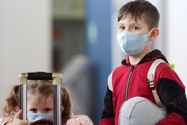 Тяжелые последствия. Ученые назвали самый опасный при коронавирусе возраст детей