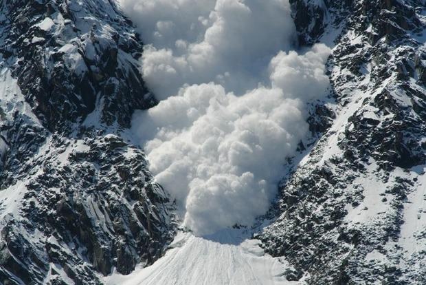В горах Закарпатья и Ивано-Франковской области сохраняется опасность схода лавин