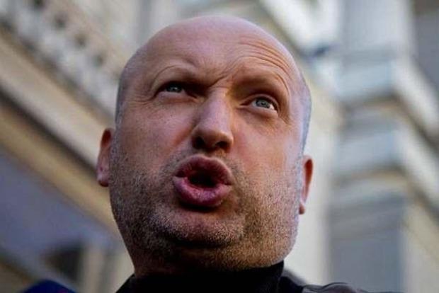 Турчинов сознался, что вынужден был врать, называя армию сильной