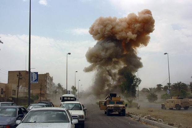 В Багдаде от взрыва автомобиля погибли шестеро человек, еще 15 ранены