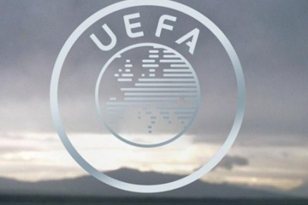 УЕФА может дисквалифицировать команды Англии и России за действия болельщиков