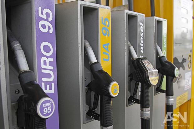 ВНовосибирске «Газпромнефть» три раза замесяц подняла цены набензин