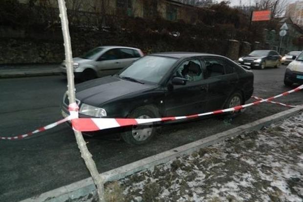 В Киеве вооруженные преступники отобрали у мужчины треть миллиона гривен