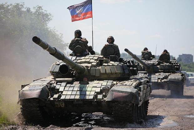 Боевики из танка обстреляли жилые кварталы Красногоровки