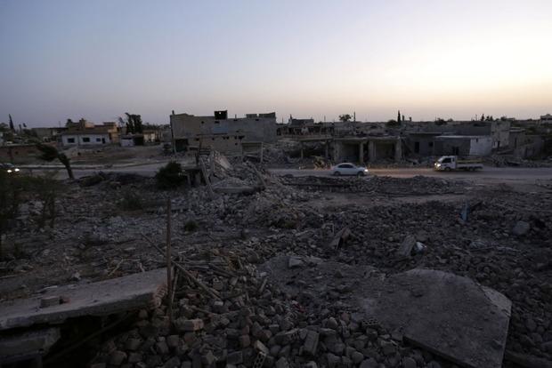 Русские разбомбили союзников США в Сирии