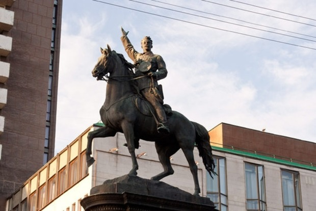 В КГГА рассказали, когда снесут памятник Щорсу
