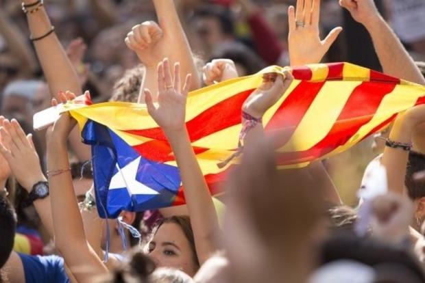 На улицах Каталонии бастуют 300 тысяч человек