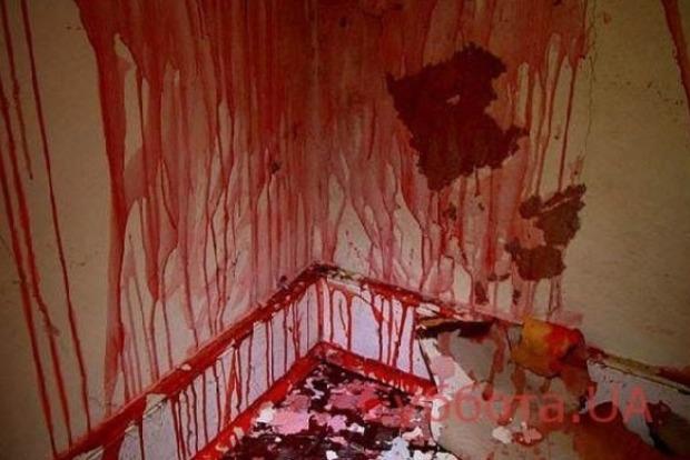 Все стены в крови. В Запорожье зверски убили женщину