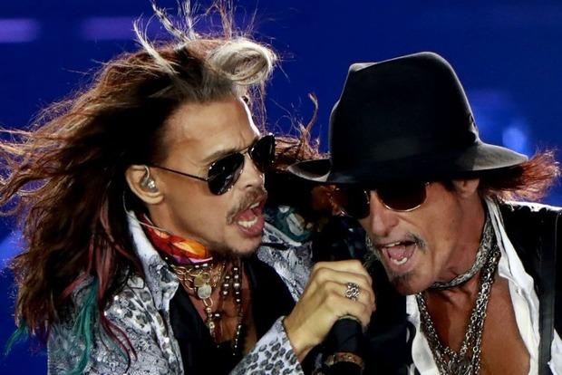 Группа Aerosmith прервала турне из-за состояния здоровья солиста