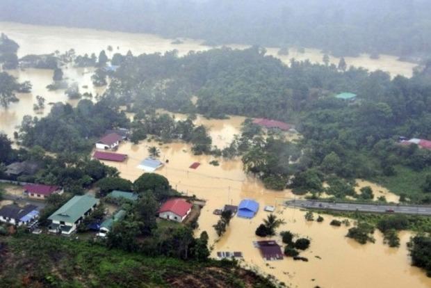 Число жертв наводнения на Шри-Ланке превысило 160