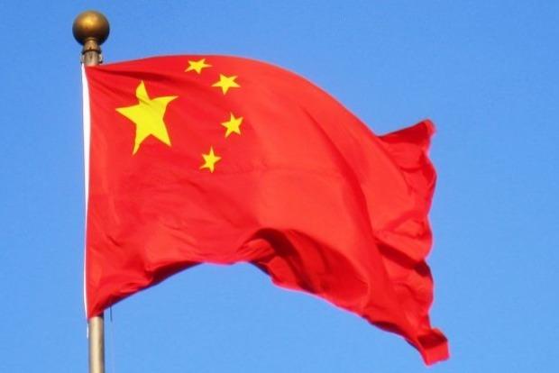 Китай введет санкции против американских компаний из-за продажи оружия Тайваню