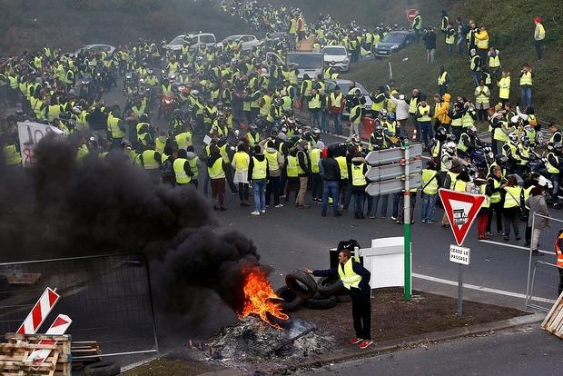 Протесты во Франции. Число пострадавших возросло до 227 человек
