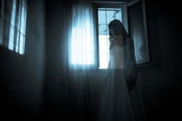 Страшно и смешно - видео с призраком позабавило YouTube