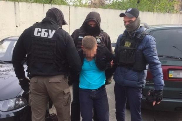 В Киеве на взятке в 100 тыс. грн задержан следователь полиции