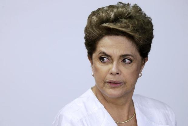 Нижняя палата парламента Бразилии начала процедуру импичмента против президента Дилмы Русеф