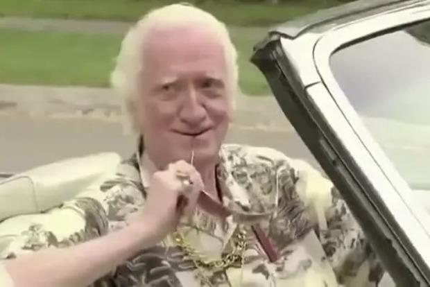 Мужчина 72 года подряд ездил на фестиваль знакомств и умер холостяком