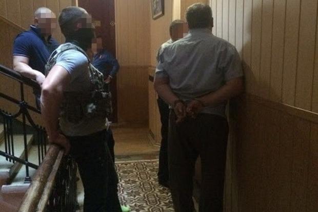 В Харьковской области сотрудник ГФС попался на взятке