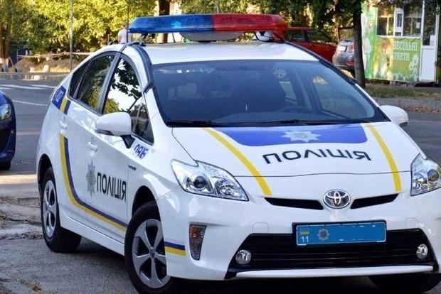 Под Одессой четверо пьяных мужчин при помощи гранаты отобрали у полицейских служебный автомобиль