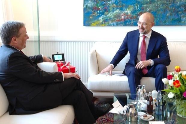 Шмыгаль рассказал немецким читателям, как Берлин лукавит и играет на руку российским оккупантам