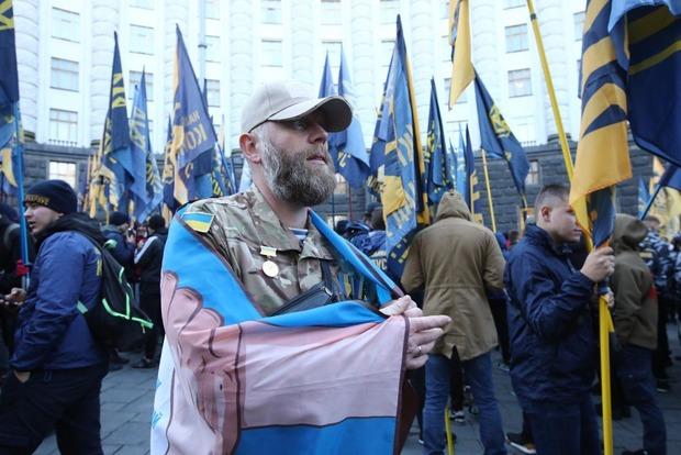 Участники АТО/ООС под Кабмином требуют создать Министерство ветеранов