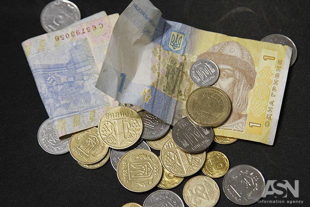 Эксперт рассказал, стоит ли ждать роста минимальной зарплаты в 2018 году