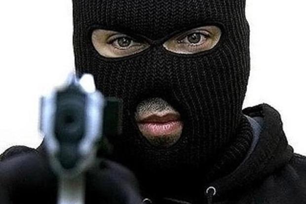 В Киеве у мужчины похитили сумку с 1,5 млн гривен
