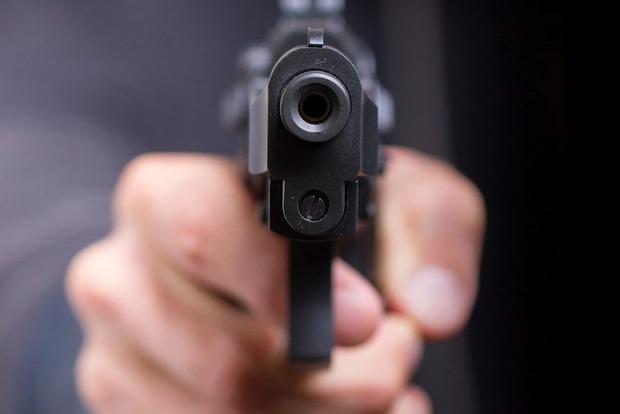 В Одесской области расстреляли людей, сидевших на скамейке около дома
