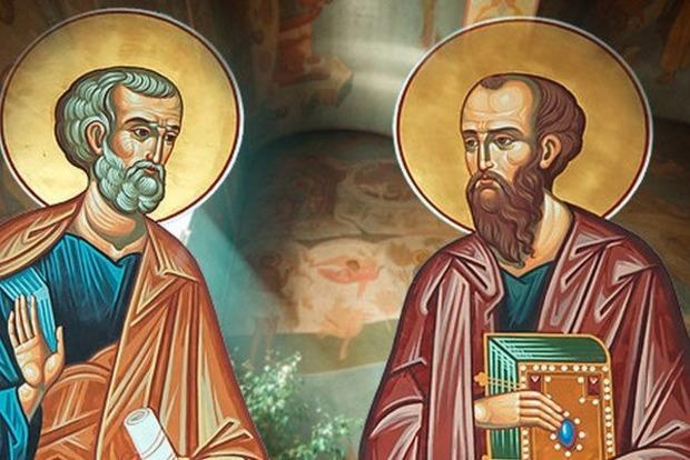 Православные христиане в Украине празднуют День апостолов Петра и Павла. Обычаи и поверья