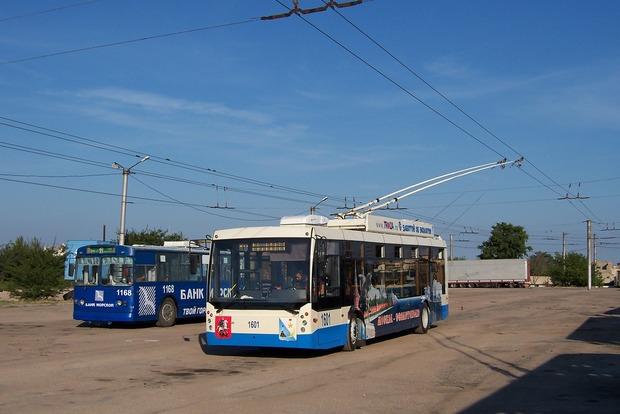 В оккупированном Севастополе обстреляли троллейбус