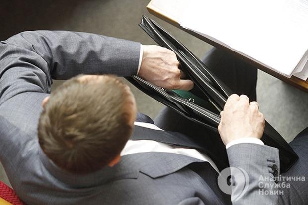В Раде раздают «таблицы» к первому бюджетному закону