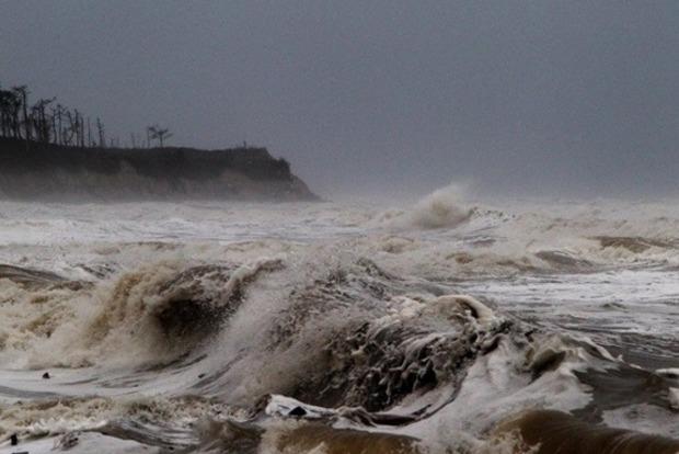 Шторм «Мария» превратился в ураган и идет на опустошенные «Ирмой» районы