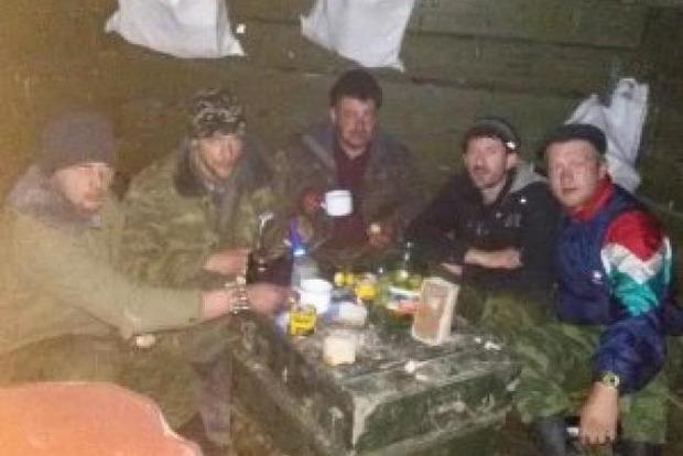 Полевые командиры Донбасса после застолья устроили инструкторам из РФ мордобой