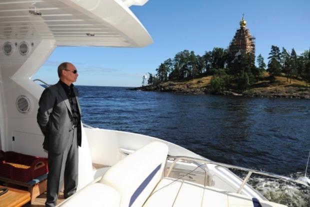 В 2016 году доход Путина официально составил почти 160 тыс. долл.