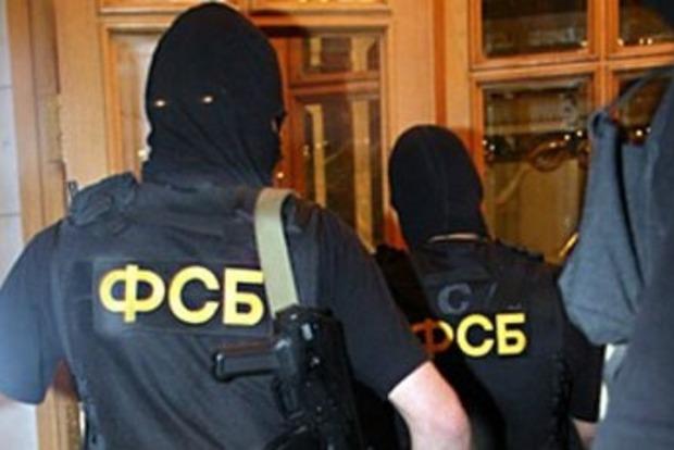 У Симферополе в доме крымского татарина провели обыски