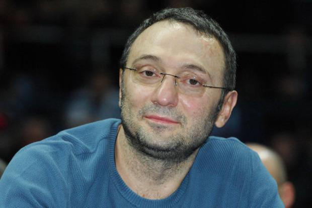 Члена Совета Федерации России арестовали во Франции