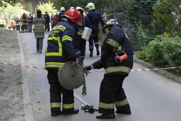 В Киеве из-за пожара пришлось эвакуировать жителей дома