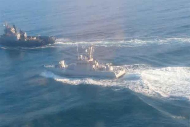 На бойових катерах ВМС України в Керченській протоці чекають висадки російського десанту